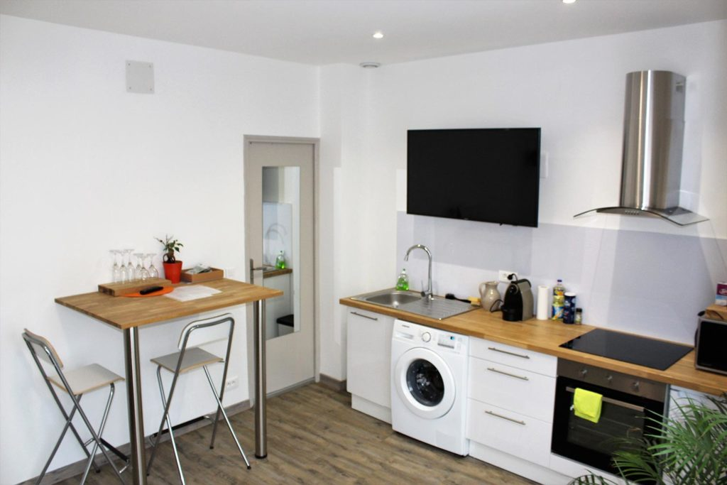 Sparkling tour airbnb studio 2 pers reims centre tourisme for Cuisine x studio brussel